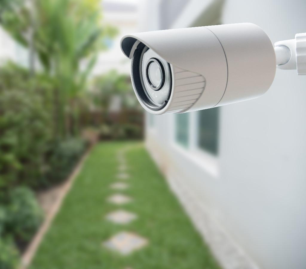 Überwachungskamera am Haus als Einbruchschutz